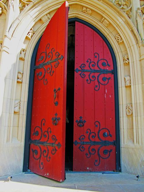 寄出歡迎信便代表向顧客開啟了服務銷售之門,雄偉宏麗的大門讓人興奮期待,過於敗破簡單的門則容易使人敗興而歸,快快翻修歡迎信大門,迎接新訂戶吧!